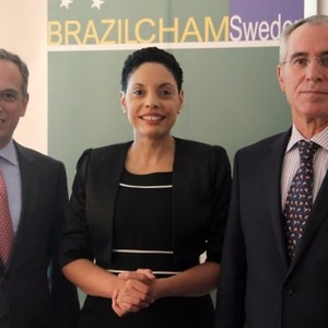 From the left:  1. H.E.Santiago Wins - Ambassador of Uruguay 2. Elisa Solhlman - Executive Director (Brazilcham)  3 H.E José Pereira Gomes - Ambassador of Portugal